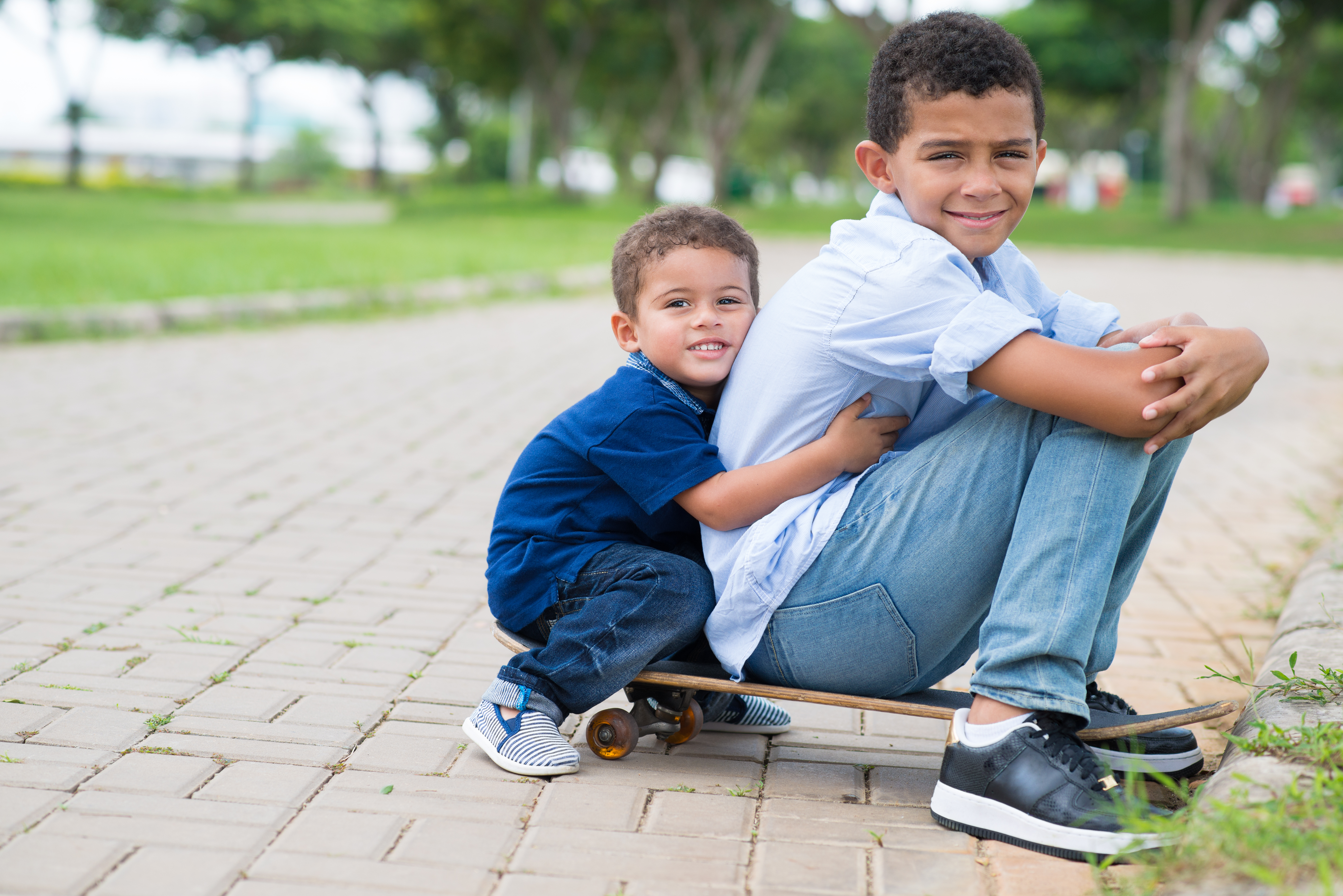 boys skateboard brothers